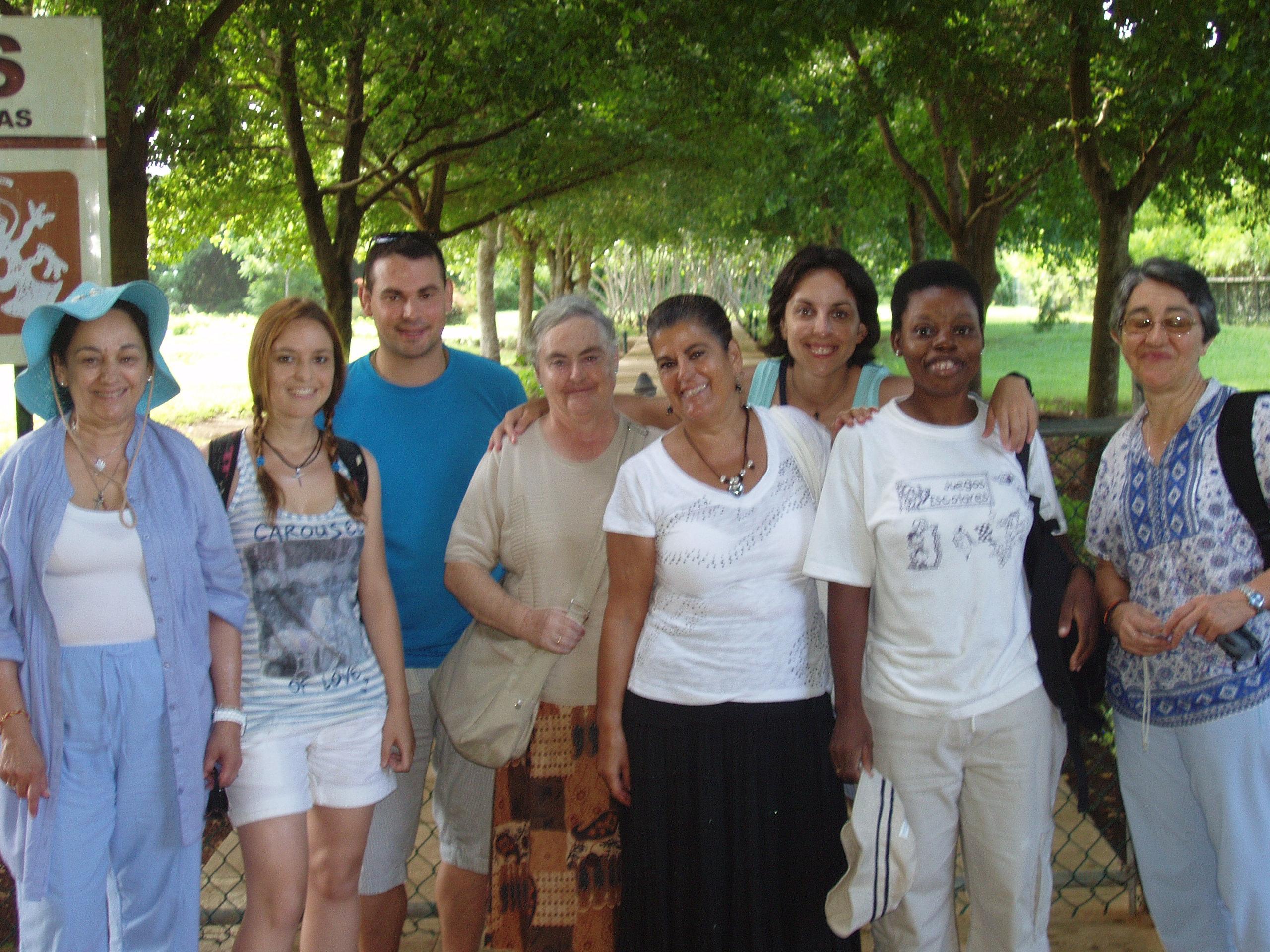 Grupo de voluntarios de verano