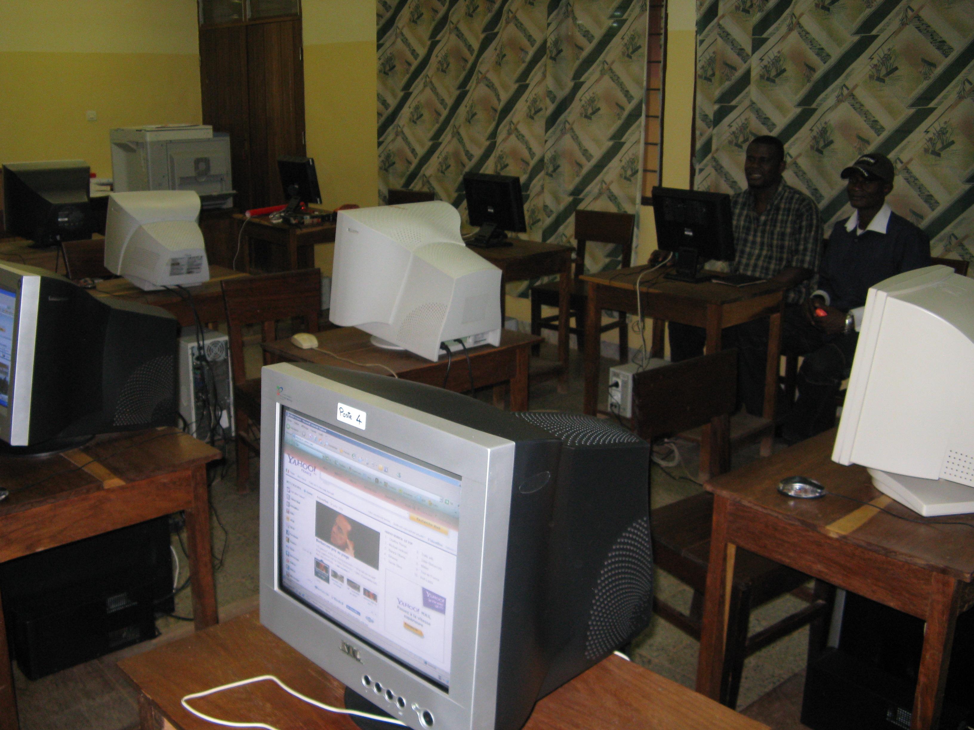 Biblioteca virtual para estudiantes universitarios