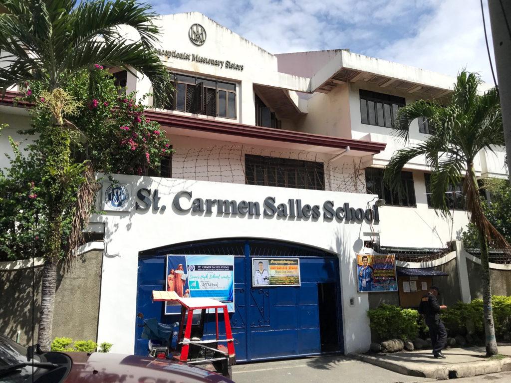 "Escuela ""Saint Carmen Salles School"" en Bacolod"