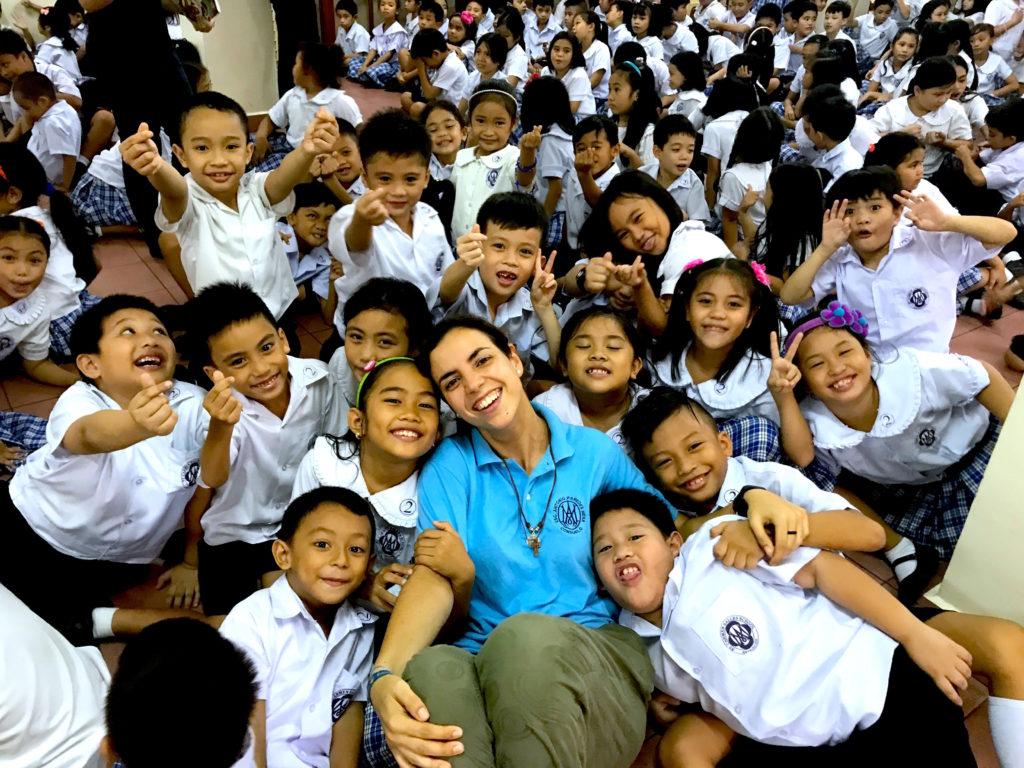 Casi 450 niños y niñas escolarizados en Bacolod