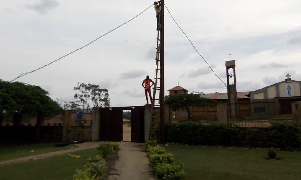 Electricidad en Loma
