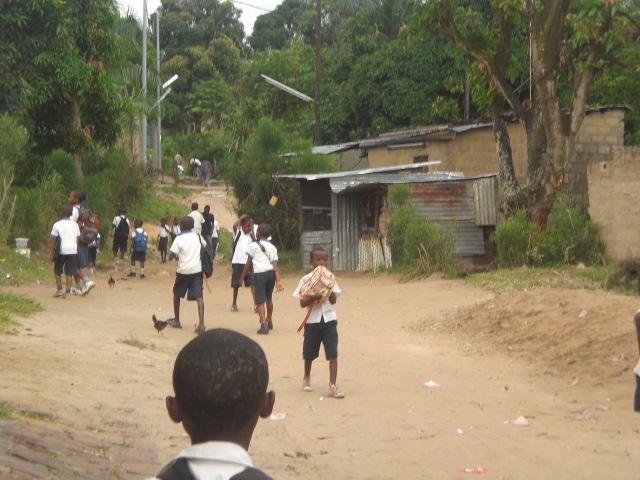 Entorno de la escuela en Kimweza