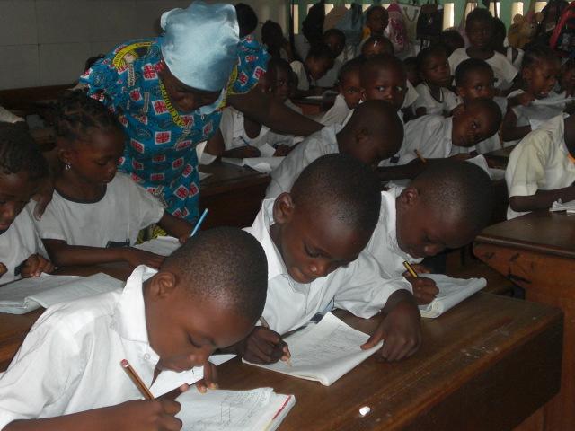 Niños en el aula de Kimwenza