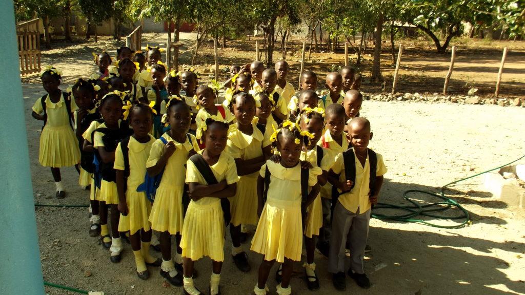 Alumnos en la Escuela en Dilaire